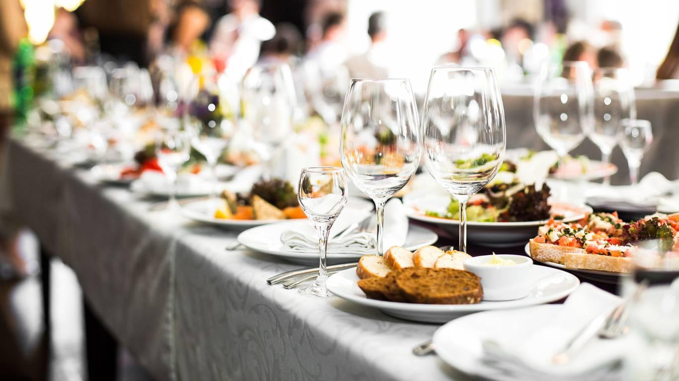symposium-convention-center-roma-banqueting-tavola-apparecchiata